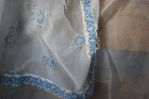 Photo 10 Blue and White Sheer Detail