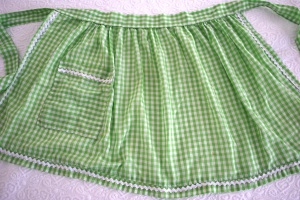 Photo 5 Green Gingham Full
